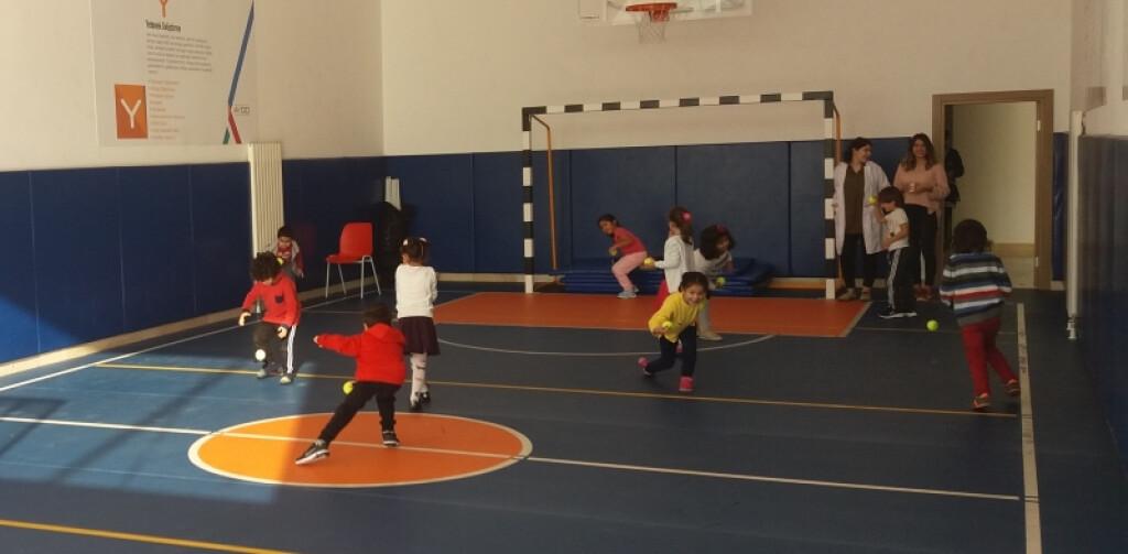 Tenis Topları   İstanbul Pendik İlkokulu ve Ortaokulu   Özel Okul
