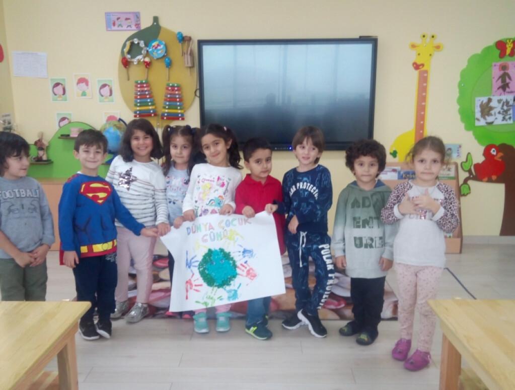 Çalışkan Arılar Sınıfı Dünya Çocuk Günü | İstanbul Pendik İlkokul...