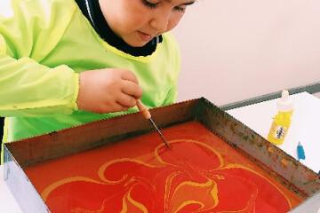 Renklerin Su Üzerindeki Dansı: Ebru Sanatı