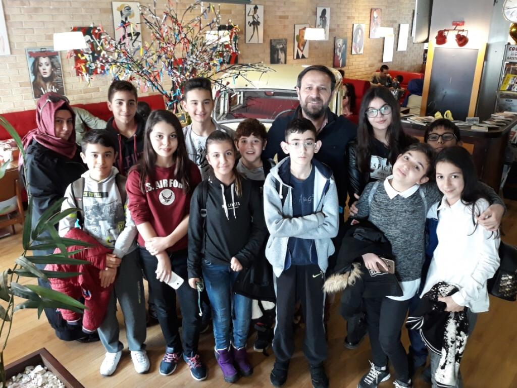 "7 - A Sınıfı ""kitap Cafe""de   İstanbul Pendik İlkokulu ve Ortaoku..."