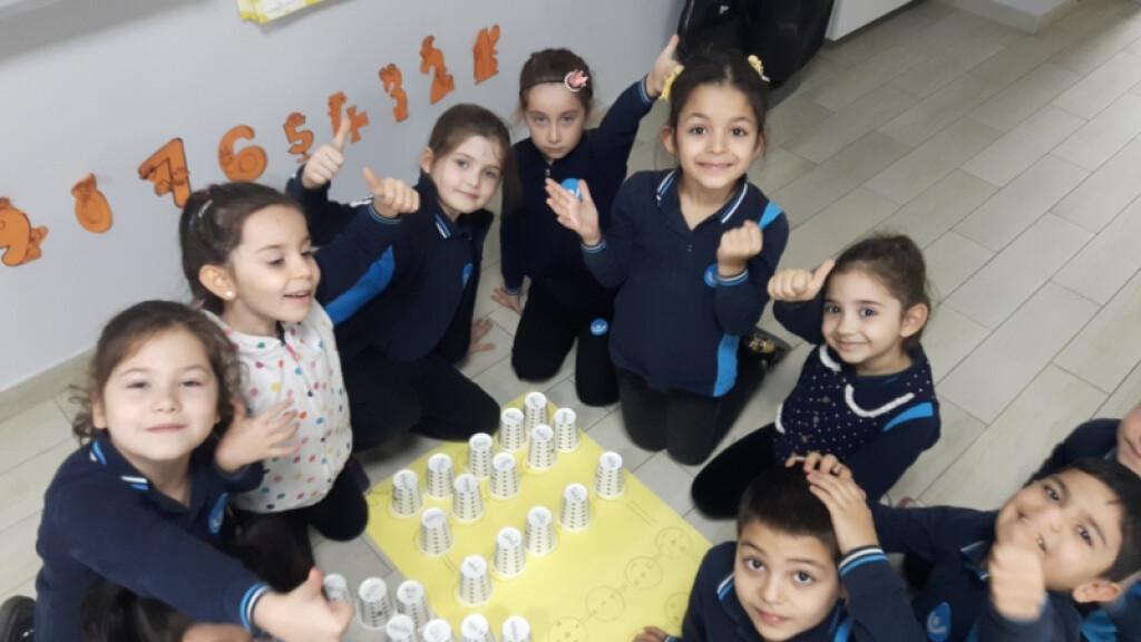1.sınıf Öğrencilerinin Kelime Oluşturma Sevinici | İstanbul Pendi...