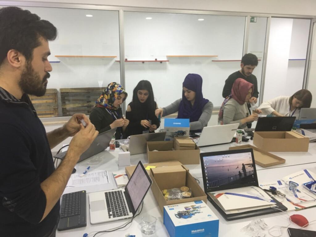 Stem Maker Eğitmen Eğitimleri | İstanbul Pendik İlkokulu ve Ortao...