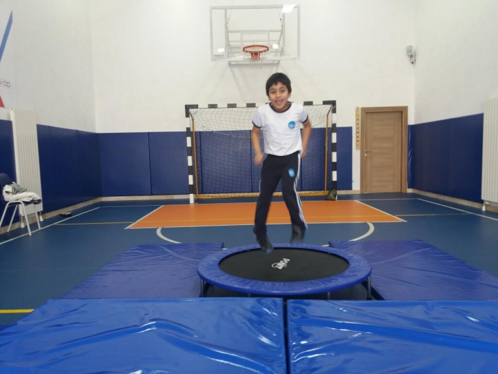 Trambolin İle Uçuyoruz | İstanbul Pendik İlkokulu ve Ortaokulu |...