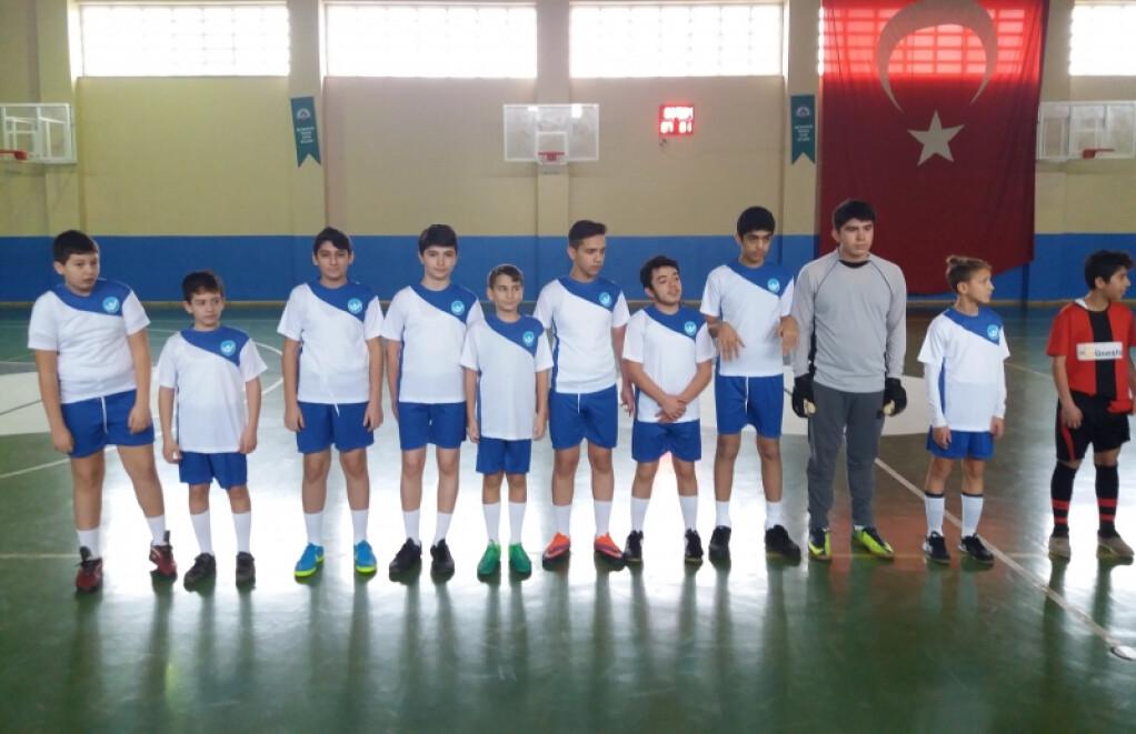 İlçe Milli Eğitim Salon Futbolu ( Futsal ) Turnuvası Başladı | İs...