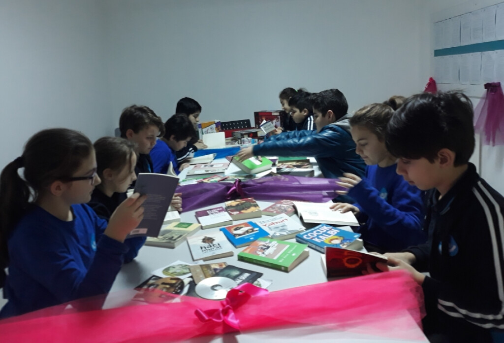 Yaratıcı Yazarlar Erguvan Günleri'nde İşbaşındaydı | İstanbul Pen...