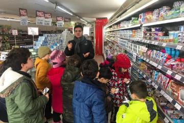İlkokul Öğrencileri Alışverişde