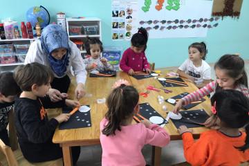 Aya Tırmanan Çocuk. | İstanbul Pendik İlkokulu ve Ortaokulu | Öze...