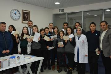 Mehmetçik'ten Öğrencilere Özel Hediyeler