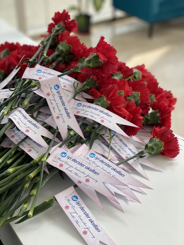 8 Mart Dünya Kadınlar Günü | İstanbul Pendik İlkokulu ve Ortaokul...